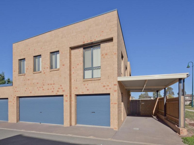 353B Anthony Rolfe Avenue, ACT 2912