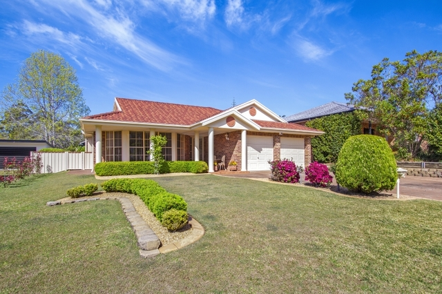 12 Edwin Avenue, Lake Conjola NSW 2539
