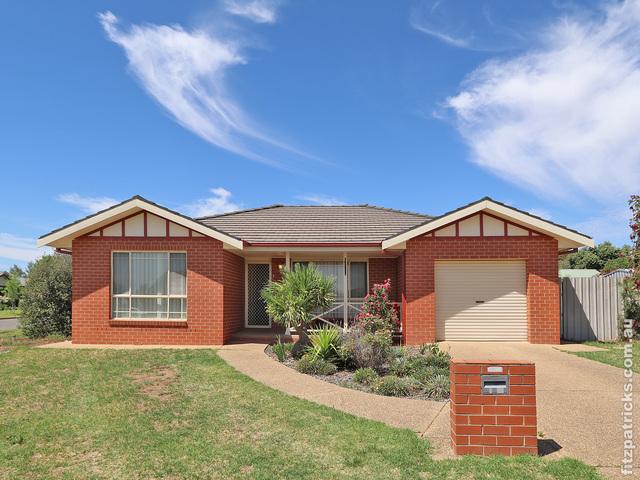 1/27 Woomera Place, NSW 2650
