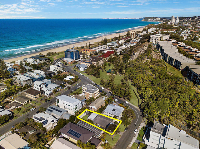 3 Petrel Avenue, Mermaid Beach QLD 4218