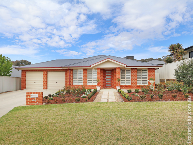 34 Balala Crescent, Bourkelands NSW 2650