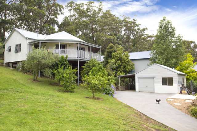 10 Huntingdale Drive, Mollymook NSW 2539