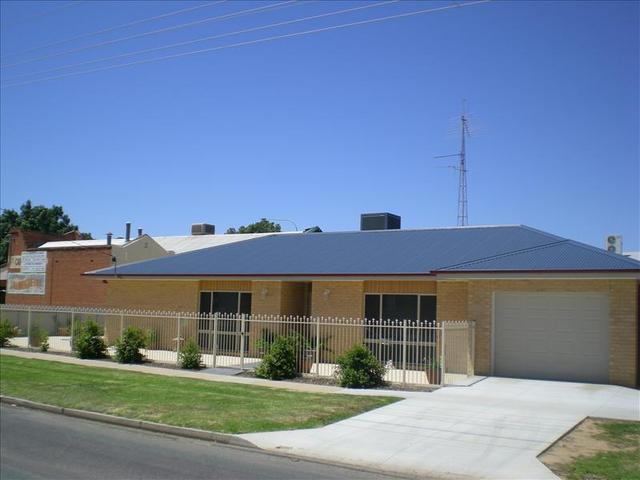 402 Leonard Street, Hay NSW 2711