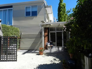 2/6 Nelson Road
