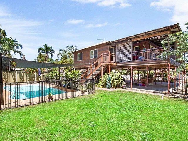 35 Lagoon Crescent, Saunders Beach QLD 4818