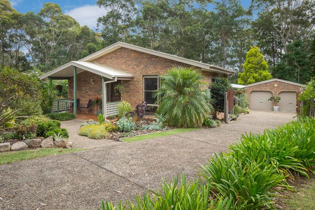13 Haven Place, Batehaven NSW 2536