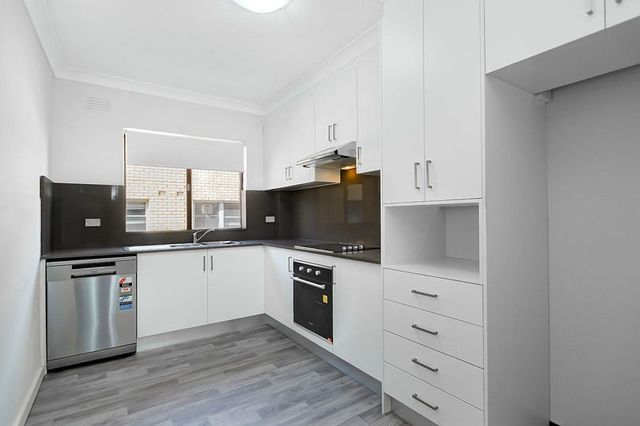 1/72 Burlington Road, NSW 2140