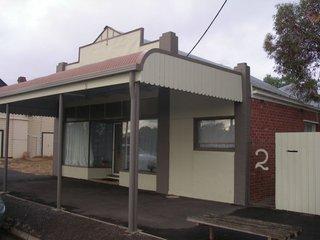 2 Allan Street