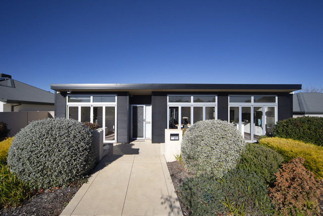 24 Mary Gillespie Ave, Gungahlin ACT 2912