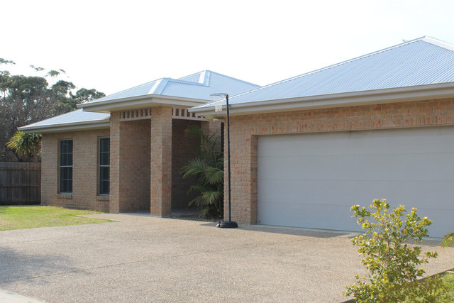 44 Grant Street, Broulee NSW 2537