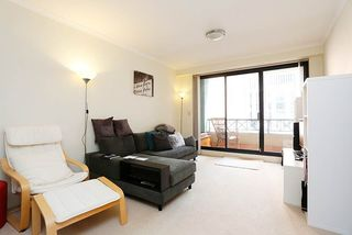 806/1 Hosking Place