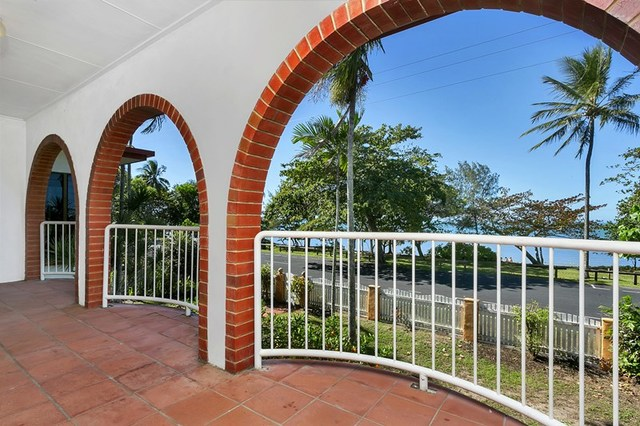 11 Casuarina Street, Holloways Beach QLD 4878