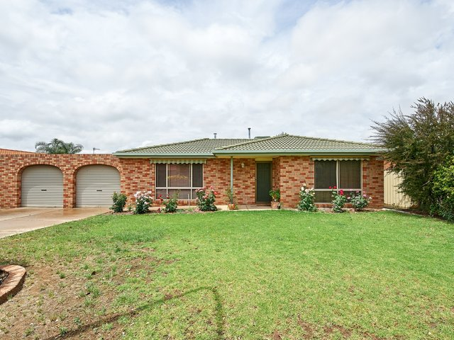 7 Elanora Place, Glenfield Park NSW 2650