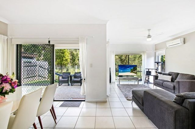 27 Satinash Street, Meridan Plains QLD 4551