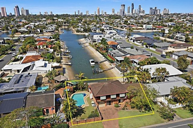 8 Pacific Boulevard, Broadbeach Waters QLD 4218