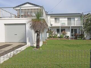 32 Honeysuckle Street Brooms Head NSW 2463