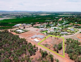 8 Bella Vista Drive Lake Wyangan NSW 2680