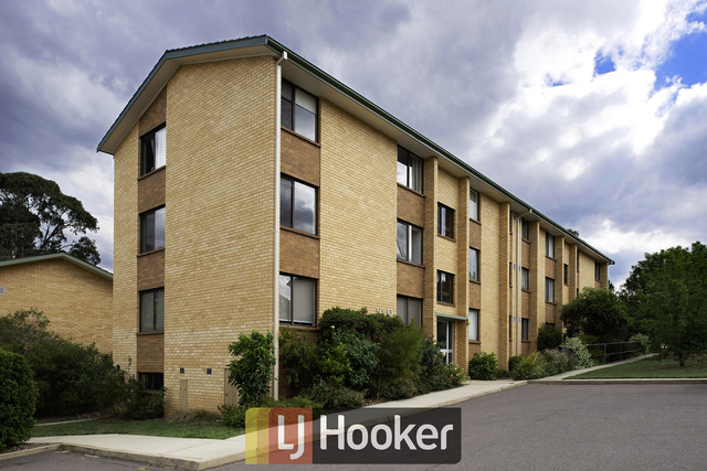 3/10 Walsh Place, ACT 2605