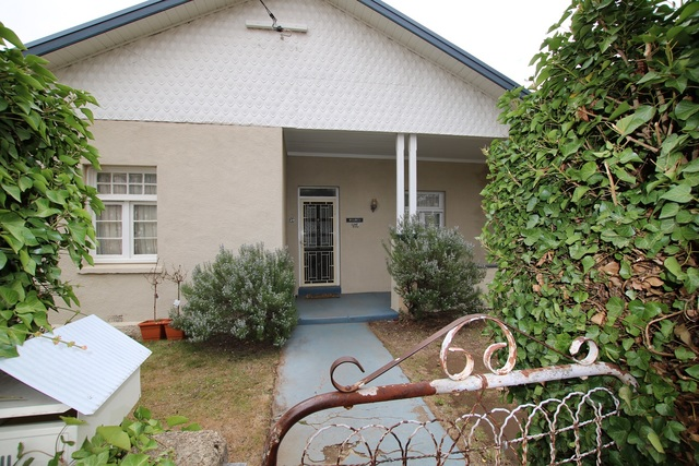 25 Commissioner Street, Cooma NSW 2630