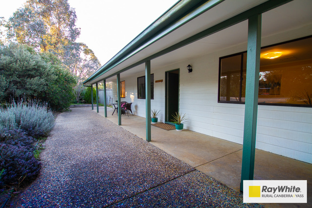 18 Vallance Drive, Murrumbateman NSW 2582