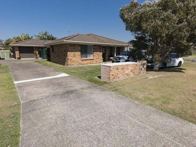 Villa 3/34 Colliton Parade, Forster NSW 2428
