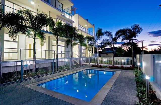 6/8-10 Victor Avenue, Paradise Point QLD 4216