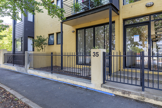 2/35 Anthony Rolfe Avenue, ACT 2912