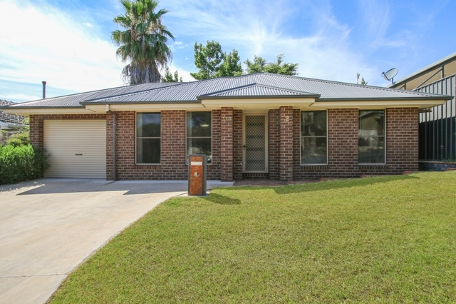 2/510 Cossor Street, Albury NSW 2640