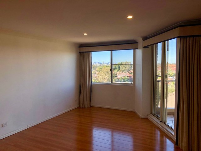 802/10 Wentworth Drive, Liberty Grove NSW 2138